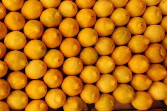 800px-Lemons_at_St._Joseph_Market_in_Barcelona